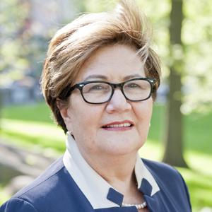 Cecilia Serrano,                   Agent in NYC - Compass