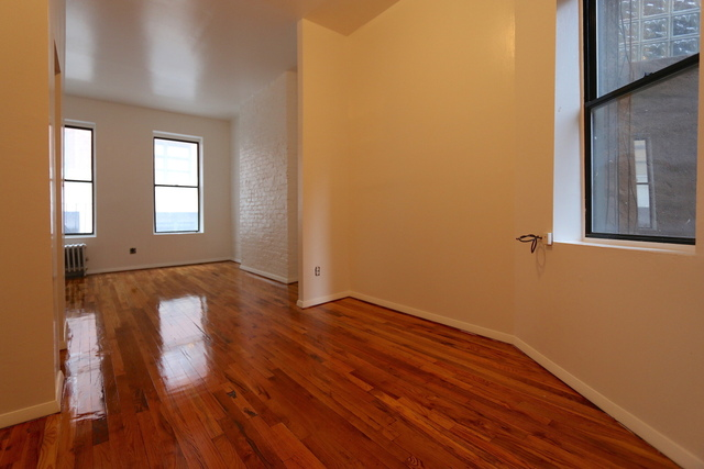 331 West 16th Street, Unit 9 Image #1