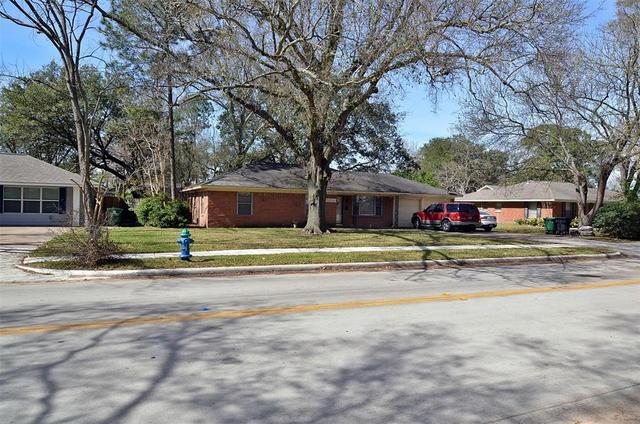 2015 Wycliffe Drive Houston, TX 77043