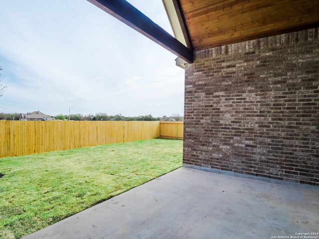 6914 Hallie Heights Schertz, TX 78154