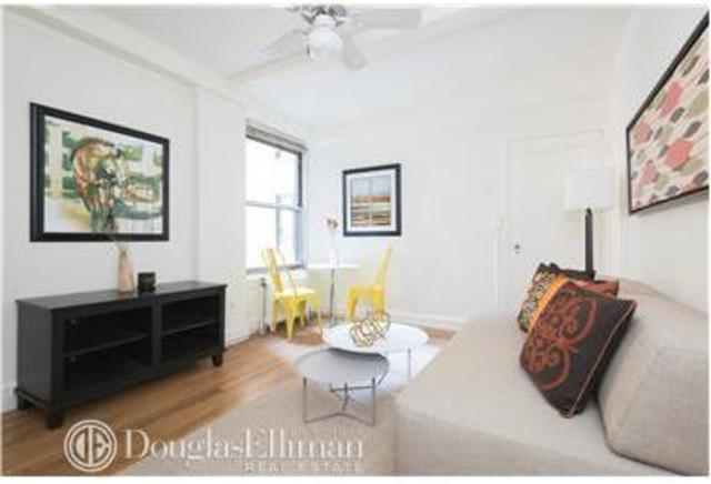 325 West 45th Street, Unit 406A Image #1