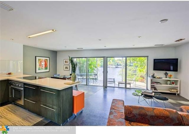 14 Middlesex Drive, Unit 14 Image #1