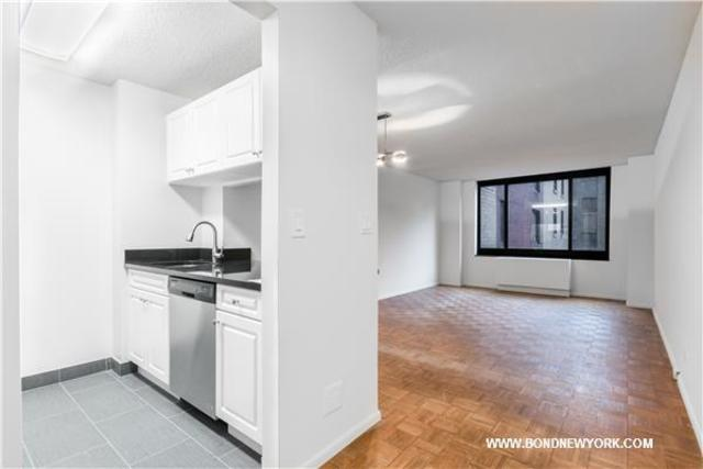 200 Rector Place, Unit 7D Image #1