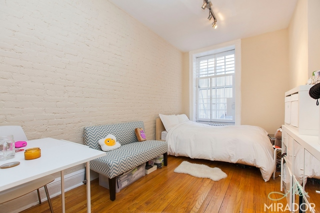 354 West 18th Street, Unit 1D Image #1