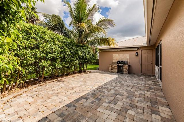 2717 Southwest 18th Place Cape Coral, FL 33914