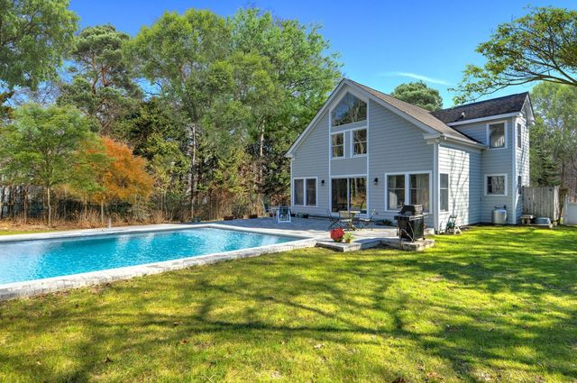 2 Musket Lane East Hampton, NY 11937