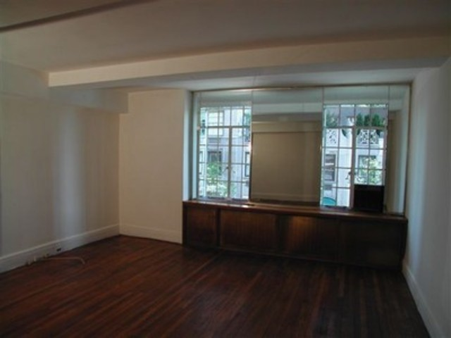 444 East 52nd Street, Unit 3B Image #1