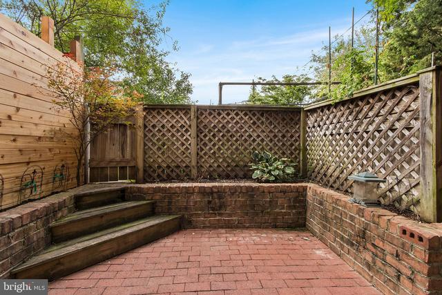 128 Carpenter Street Philadelphia, PA 19147