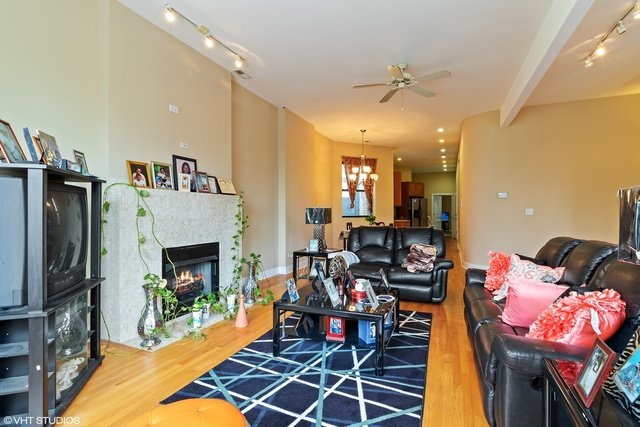 3037 West Jackson Boulevard, Unit 2 Chicago, IL 60612