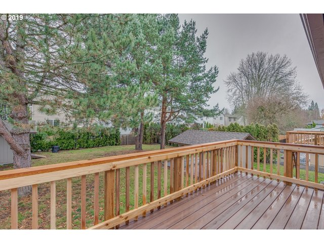 5853 Southeast Skyhigh Court Milwaukie, OR 97267