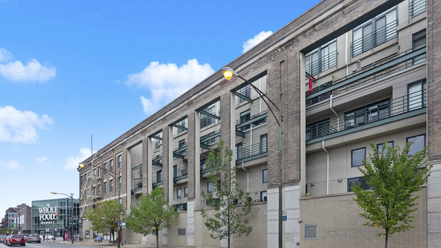 3160 North Lincoln Avenue, Unit 301 Chicago, IL 60657