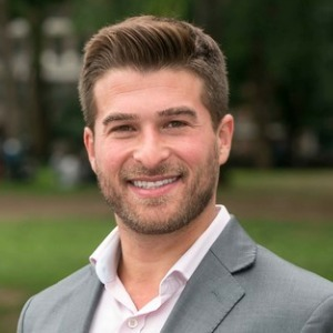 Jeremy Shevett,                     Agent in NYC - Compass