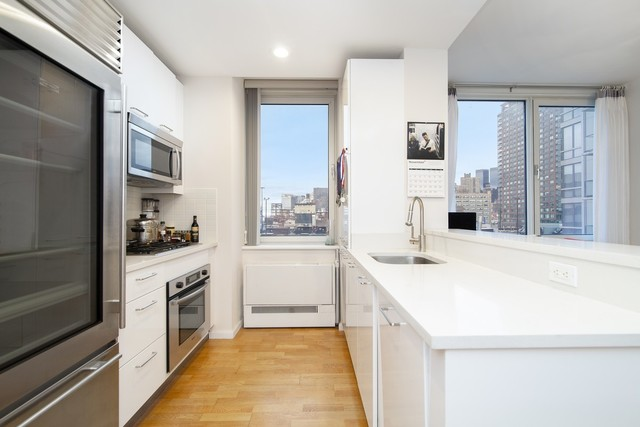 635 West 42nd Street, Unit 8F Manhattan, NY 10036