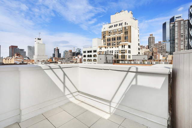 325 West 51st Street, Unit 6C Manhattan, NY 10019