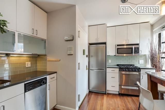 514 West 50th Street, Unit 4RE Image #1