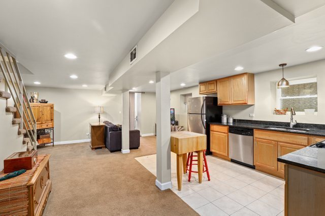 2706 West Evergreen Avenue, Unit 1 Chicago, IL 60622