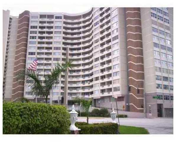 3180 South Ocean Drive, Unit 1702 Image #1