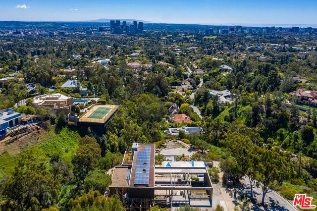 1360 Summitridge Place Beverly Hills, CA 90210