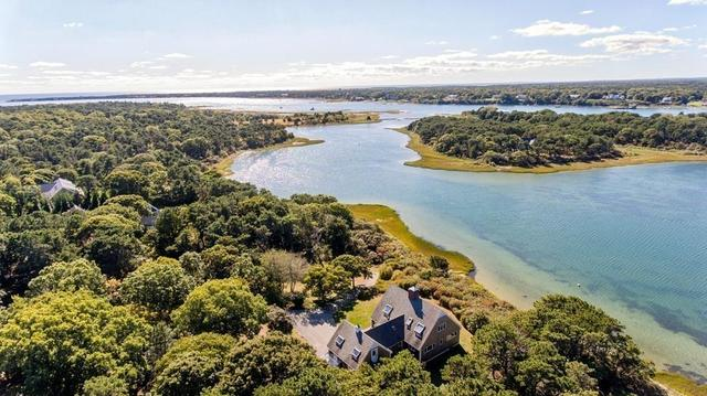 24 Litchfield Road Edgartown, MA 02539