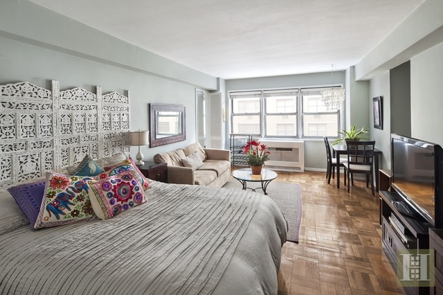321 East 45th Street, Unit 9A Image #1