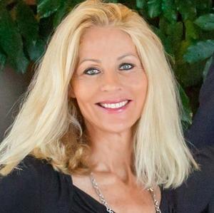 Shirleyanne Marelly,                     Agent in San Diego - Compass