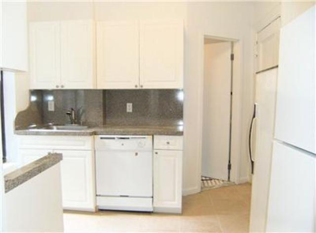 209 West 13th Street, Unit 32 Image #1