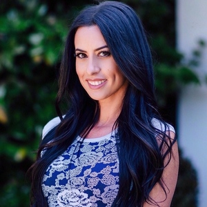 Courtney Lauria,                     Agent in Los Angeles - Compass