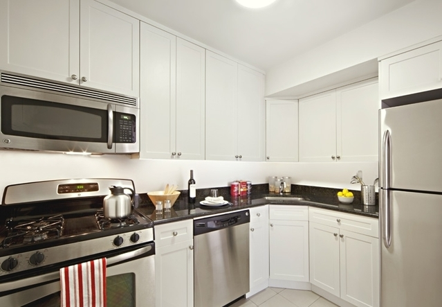 375 South End Avenue, Unit 1D Image #1