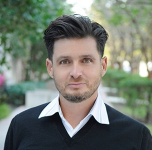 Alexander Leon,                       Agent in Miami - Compass
