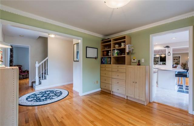9 Mayfair Drive Waterford, CT 06385