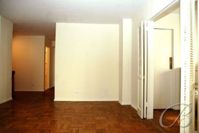 321 East 45th Street, Unit 10G Image #1