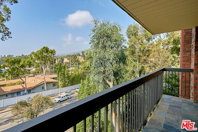 15515 Sunset Boulevard, Unit 106 Pacific Palisades, CA 90272