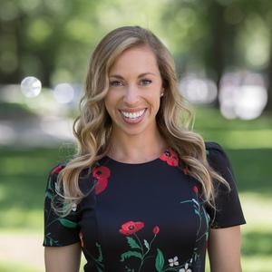 Lauren Schneider,                     Agent in Greater Boston - Compass
