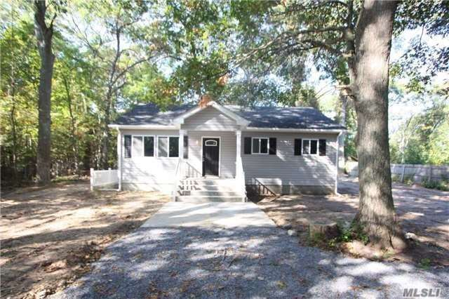 36 Wellington Road Middle Island, NY 11953