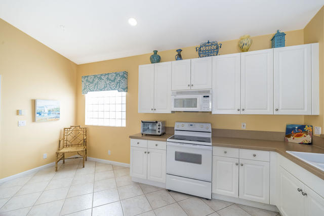 7077 Cataluna Circle Delray Beach, FL 33446