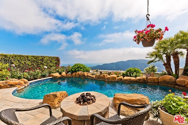 1738 Chastain Parkway East Pacific Palisades, CA 90272