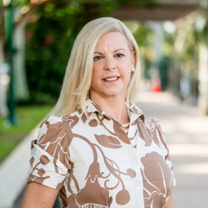 Donna Miller,                       Agent in Miami - Compass