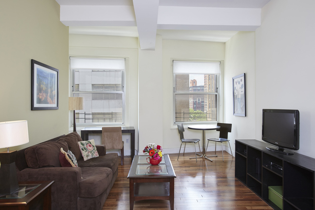 88 Greenwich Street, Unit 619 Image #1