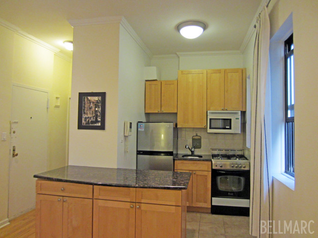 152 East 35th Street, Unit 3H Image #1