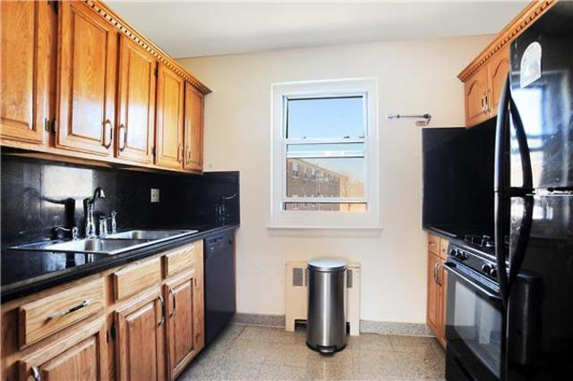150-19 Jewel Avenue, Unit 310B Image #1