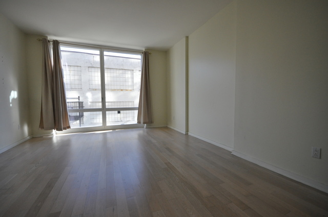 340 East 23rd Street, Unit 4B Image #1