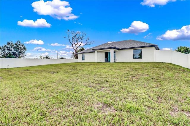 2714 26th Street Southwest Lehigh Acres, FL 33976