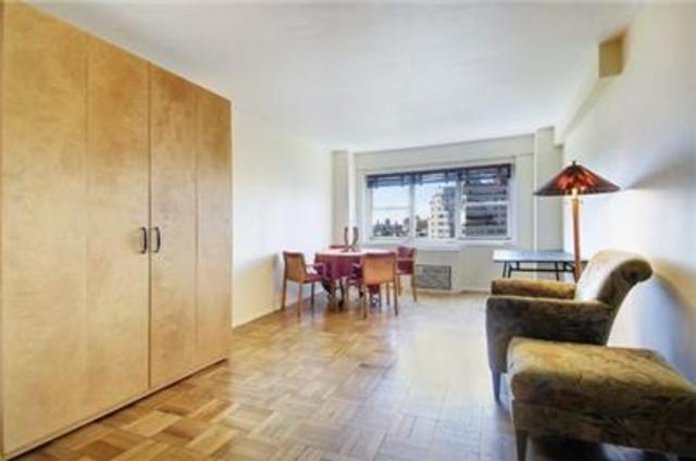 69 West 9th Street, Unit 11C Image #1