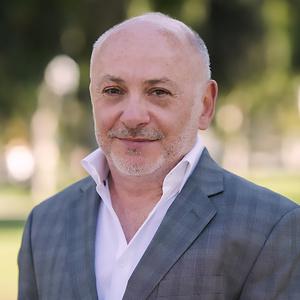 Steven Galindo, Agent in Los Angeles & Orange County - Compass