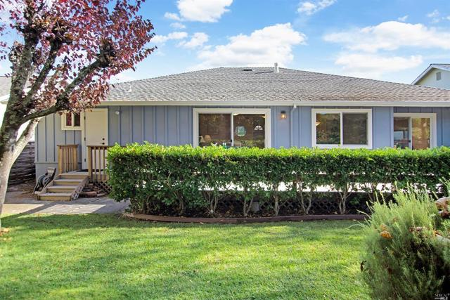 16 Staghound Passage Corte Madera, CA 94925