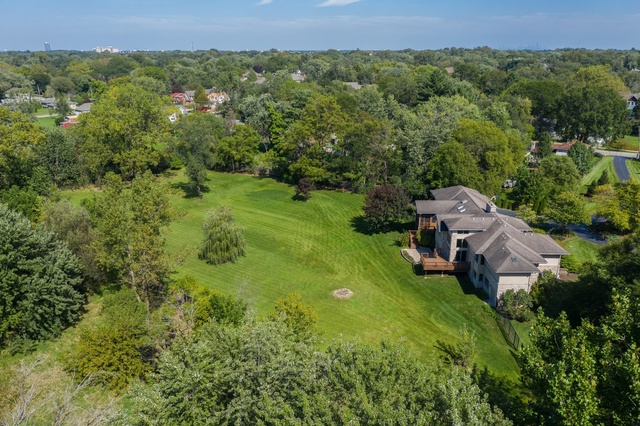 4816 Roslyn Road Downers Grove, IL 60515