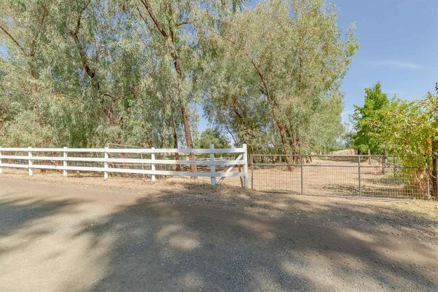 6015 Sycamore Hill Road Newcastle, CA 95658