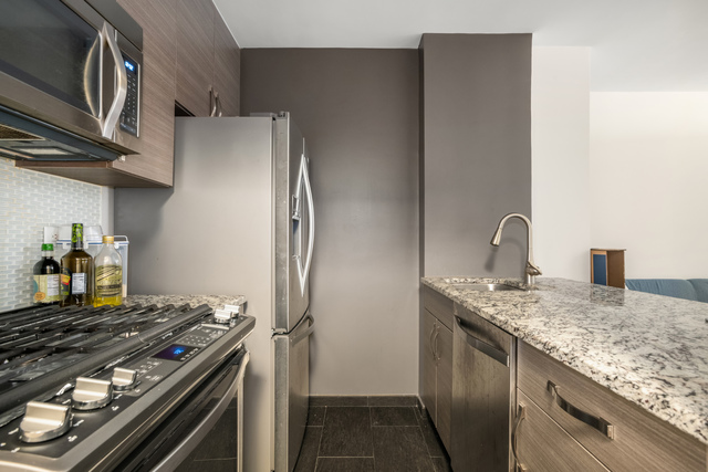 401 East 34th Street, Unit S04F Manhattan, NY 10016