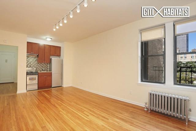 220 West 24th Street, Unit 3L Image #1