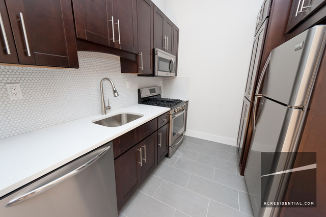 12-21 Astoria Boulevard, Unit 2F Image #1